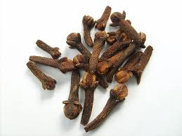 Cloves (Luong) - small, dried, reddish-brown flower bud of the ...